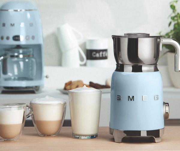 Новинка от SMEG: не только кофе с молоком